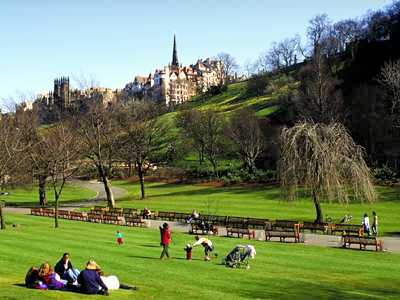 Princess Street Gardens, Edinburgh Jigsaw Puzzle - JigZone.com