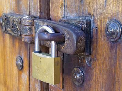Filename: Pan_Padlock_0064.jpg & Padlocked Door Images - Reverse Search Pezcame.Com